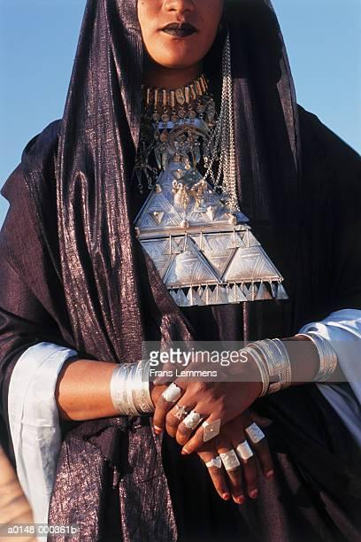 tuareg woman - femme touareg photos et images de collection