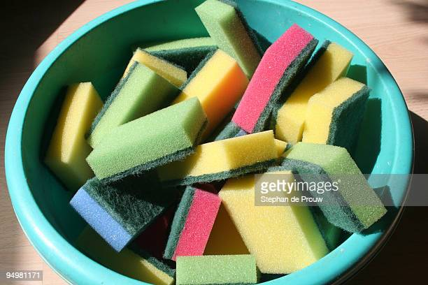 tub full of scourers - stephan de prouw stock pictures, royalty-free photos & images