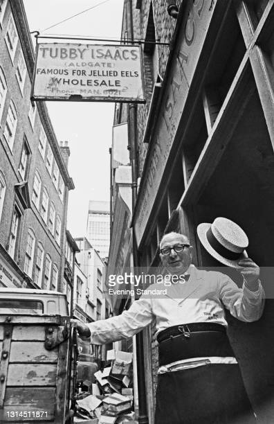 Tubby Isaacs the younger outside his jellied eels stall at Aldgate in London, UK, 16th May 1974. The stall was set up by 'Tubby' Isaac Brenner in...