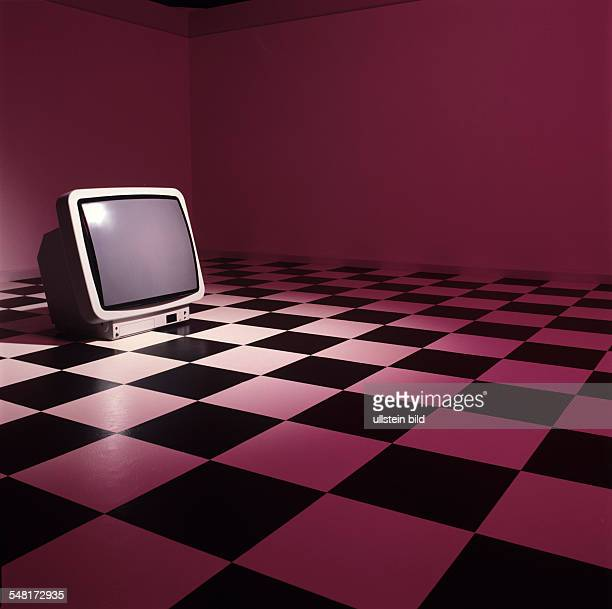 tube TV 1982