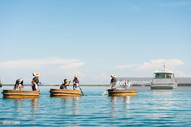 タブ型のボート - 新潟県 ストックフォトと画像