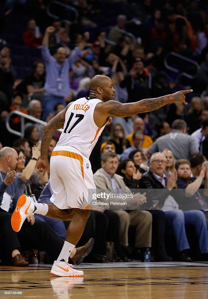 Charlotte Hornets v Phoenix Suns