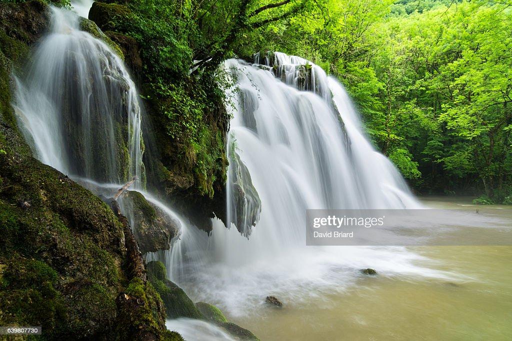 Tufa Waterfall : Photo