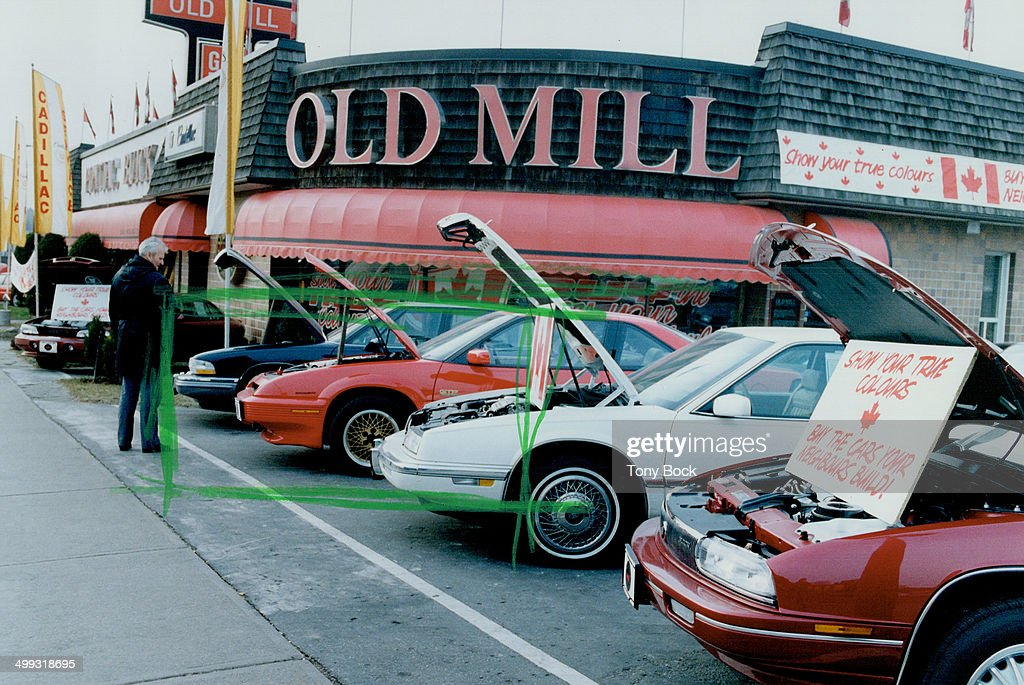 Tug at Canadians: Old Mill GM dealer on Bloor St. West urges ...