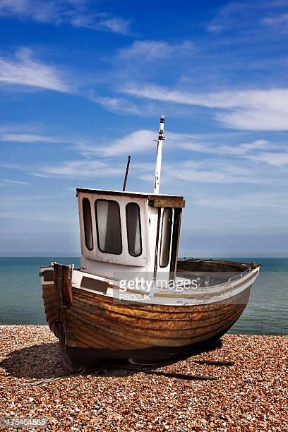タグのボートのペブル海岸