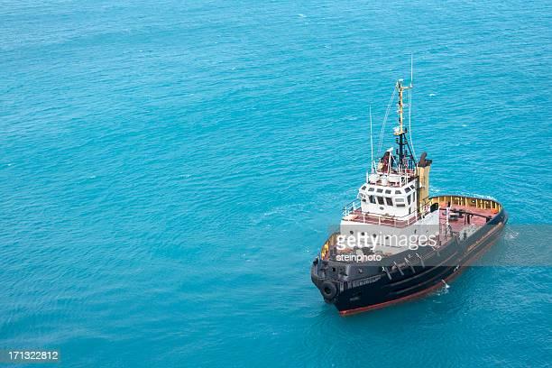 タグボートトロピカルブルーの海の水