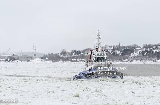 タグボート冬の