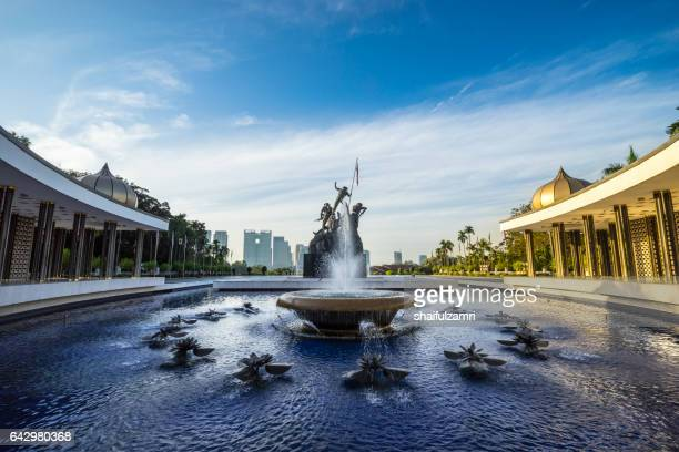 tugu negara (in local language) or national monument is a monument to commemorate for those who died during world war ii in kuala lumpur, malaysia - shaifulzamri stock pictures, royalty-free photos & images