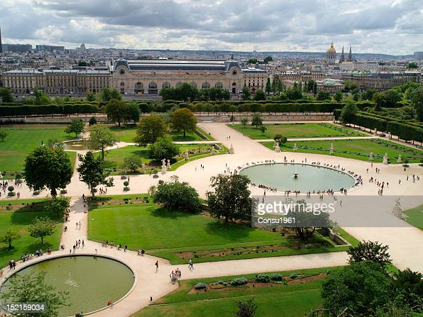 tuileries's gardens - musee du louvre stock pictures, royalty-free photos & images