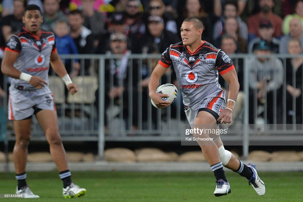 Tuimoala Lolohea of the Warriors runs with the ball during the round 10 NRL match between the Penrith Panthers and the New Zealand Warriors at AMI Stadium on May 14, 2016 in Christchurch, New Zealand.