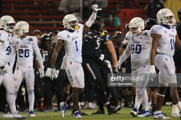 Tulsa Golden Hurricane safety Kendarin Ray reacts during the AAC Championship game against the Tulsa Golden Hurricane and the Cincinnati Bearcats on...