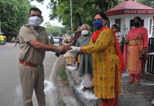IND: Devotees Observe 'Somvar Sawan'