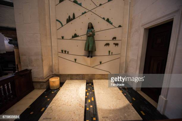 tumbler of jacinta and lucia sanctuary of fátima, portugal - our lady of fatima stock pictures, royalty-free photos & images