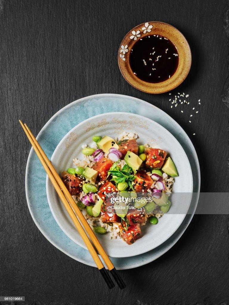 Tuna and avocado poke bowl : Stock Photo