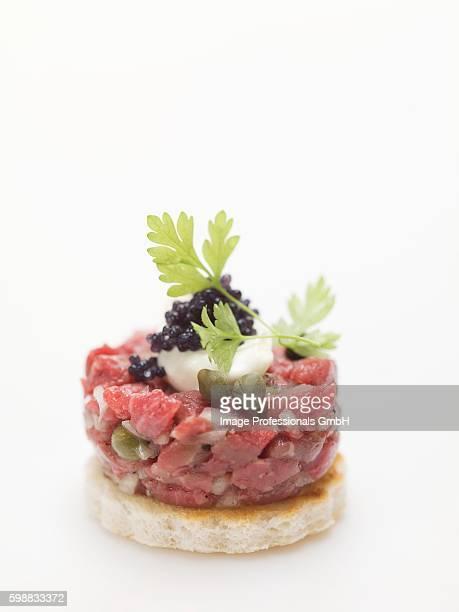 tuna canap?? with caviar - canap�� photos et images de collection
