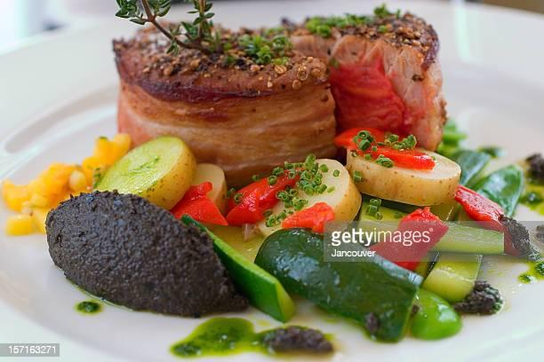 マグロのステーキ - ステーキハウス ストックフォトと画像