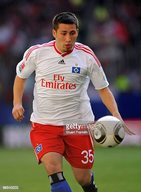 Tunay Torun of Hamburg in action during the Bundesliga match between Hamburger SV and FSV Mainz 05 at HSH Nordbank Arena on April 17 in Hamburg...