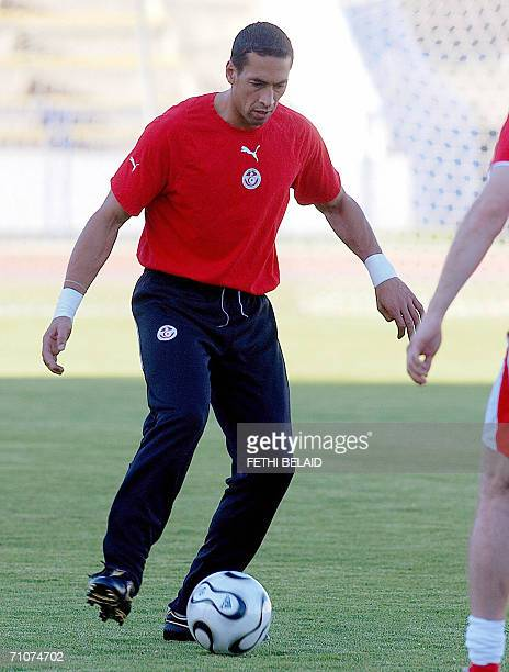 Tunisia's national football team goalkeeper Ali Boumnijel trains 29 May 2006 in Tunis The Tunisian team is in preparation for the FIFA Football world...