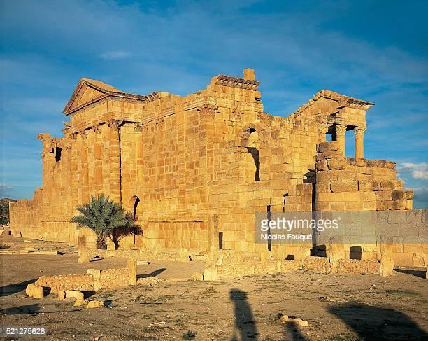 tunisia - archeology - roman archeological site of sbeitla - kairwan stock pictures, royalty-free photos & images
