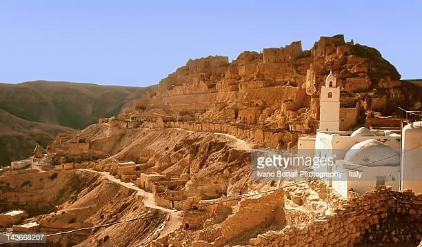 tunisia landscape - tunesien stock-fotos und bilder
