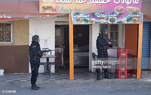 Tunisian security forces take security measurements following an attack on March 7 on army and police facilities in the eastern town of Ben Guerdane...