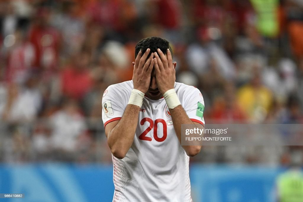 TOPSHOT - Tunisia's midfielder Ghailene Chaalali reacts during the Russia 2018 World Cup Group G football match between Panama and Tunisia at the Mordovia Arena in Saransk on June 28, 2018. (Photo by Filippo MONTEFORTE / AFP) / RESTRICTED