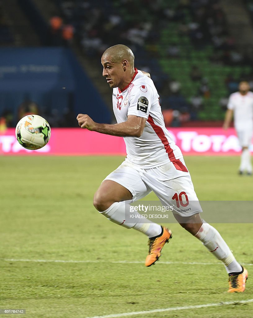 Tunisia's midfielder Wahbi Khazri controls the ball during the 2017 Africa Cup of Nations group B football match between Tunisia and Senegal in Franceville on January 15, 2017. / AFP / KHALED