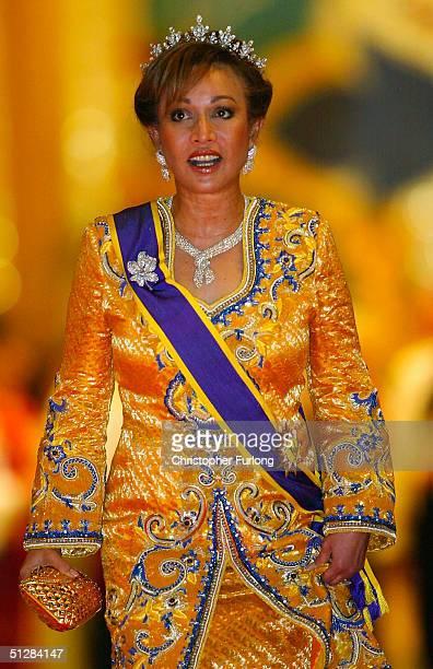 Tunku Nural Hayah wife of the acting ruler of Sembilan attends the Majlis Istiadat Persantapan Pengantin Diraja following the wedding of His Royal...