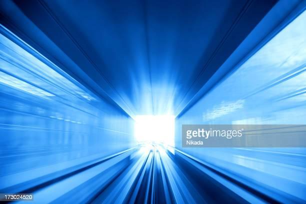 トンネルの光