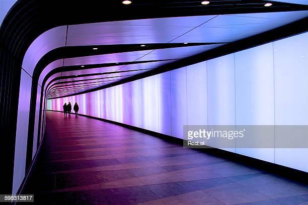 tunnel of lights - キングスクロス駅 ストックフォトと画像