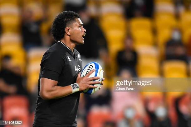 Tupou Vaa'i of the All Blacks scores a try during The Rugby Championship match between the Argentina Pumas and the New Zealand All Blacks at Suncorp...