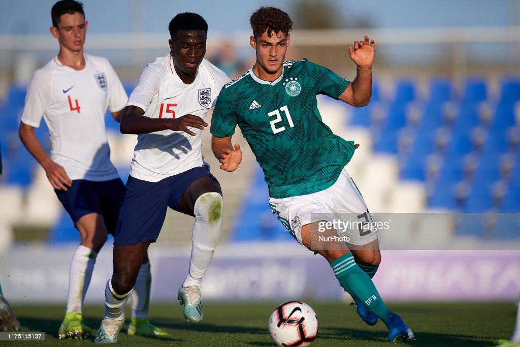 U17 England v U17 Germany - International Friendly : ニュース写真