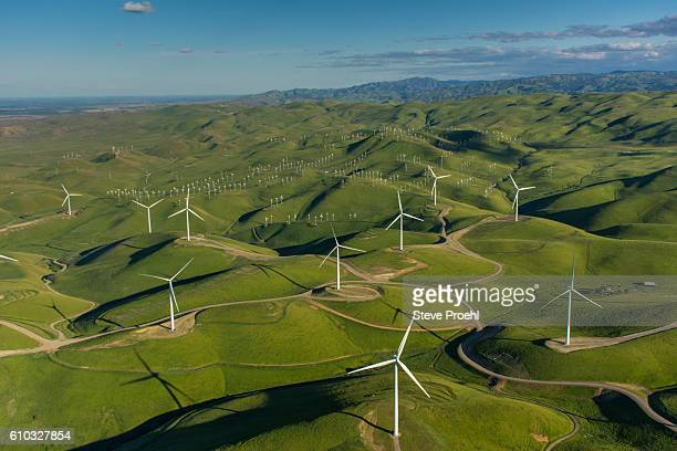 a 48 turbine  windfarm in northern california - california stock pictures, royalty-free photos & images