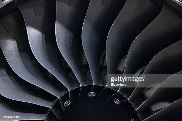 Turbofan blades sit on a RollsRoyce BR725 aircraft engine used to power Gulfstream Aerospace CorpG650 business jets inside RollsRoyce Holdings Plc's...