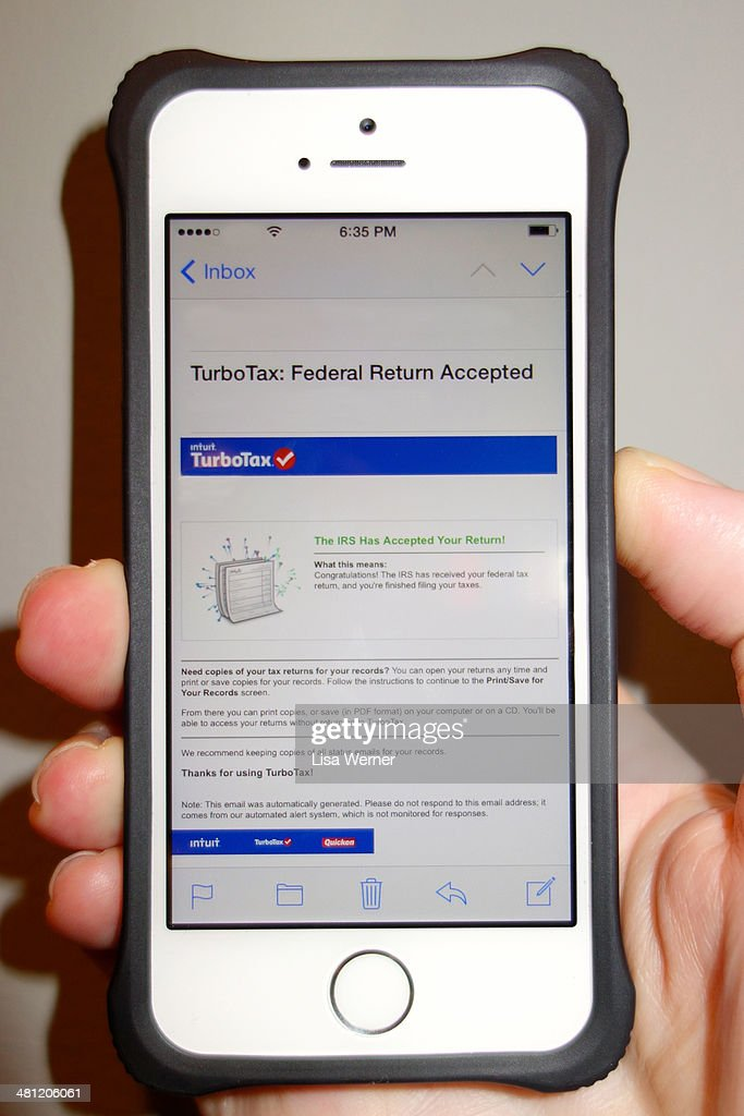 TurboTax US Federal Tax Return E-Filing Accepted