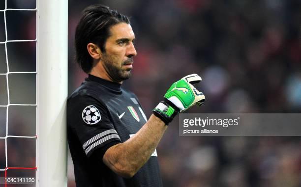 Turin's goalkeeper Gianluigi Buffon gives instructions during the UEFAChampions League quarterfinal match between FCBayern Munich and Juventus...