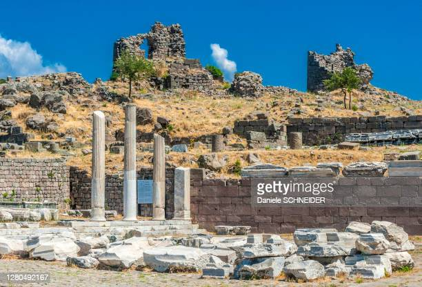 turkey, archeological site of the former city of minor asia, pergamon (bergama) (3rd century, bc; 2nd century ac) (unesco world heritage), acropolis - bergama stock pictures, royalty-free photos & images
