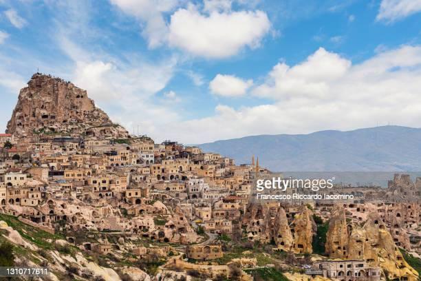 turkey, central anatolia, cappadocia, pigeon valley and uchisar near goreme, unesco world heritage site - アナトリア ストックフォトと画像