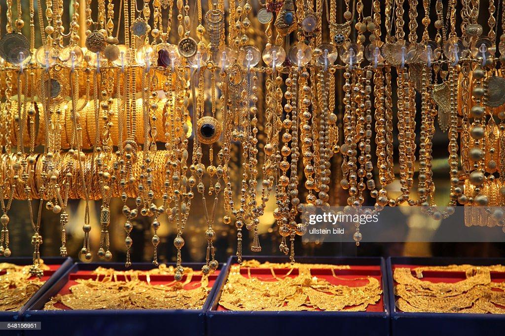 Turkey Istanbul Istanbul - shop window of the gold jewellery