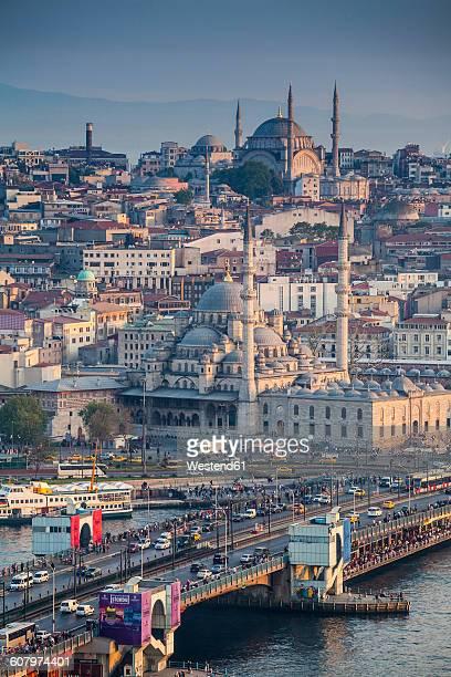 Turkey, Istanbul, view to Eminonu Harbor, Galata Bridge and New Mosque