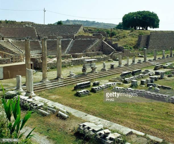 Turkey, Pergamon. Ancient Greek city in Aeolis. Ruins. Anatolia.