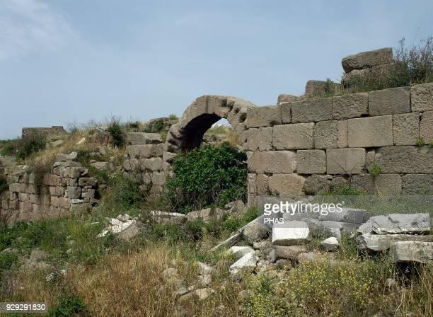 Turkey, Pergamon. Ancient Greek city in Aeolis. Walls. Acropolis area. Anatolia.
