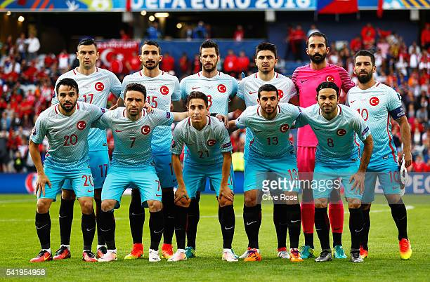 Turkey pose for team photo prior to the UEFA EURO 2016 Group D match between Czech Republic and Turkey at Stade BollaertDelelis on June 21 2016 in...