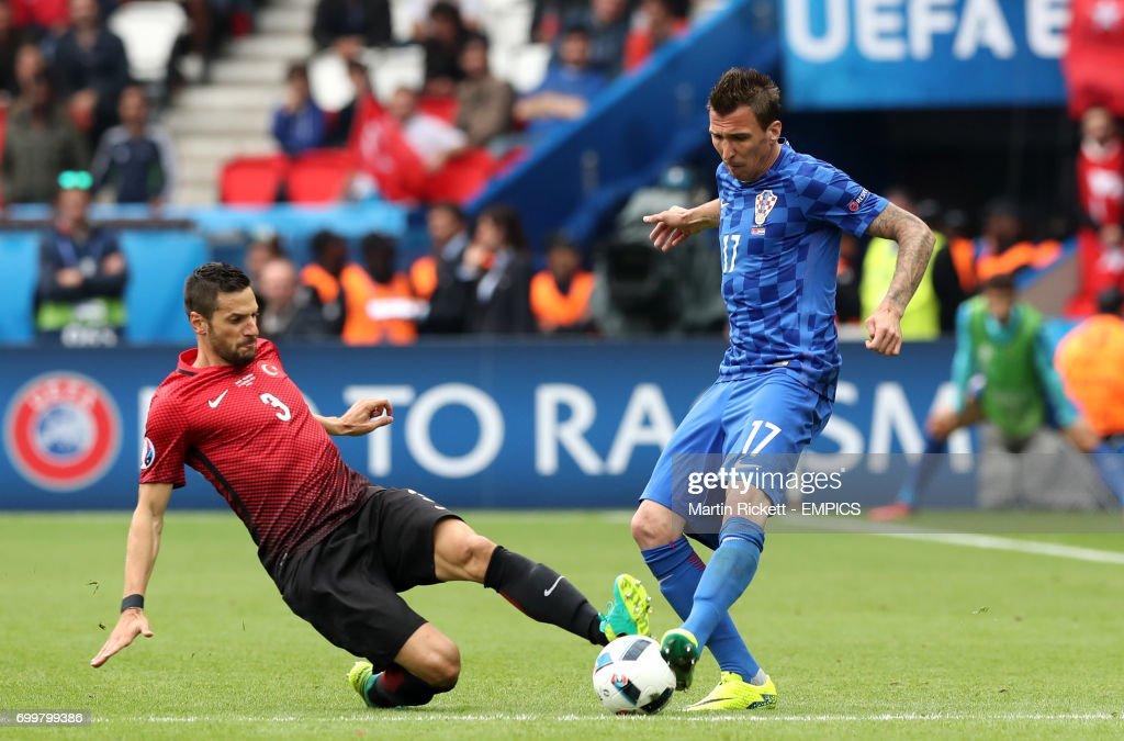 Turkey v Croatia - UEFA Euro 2016 - Group D - Parc des Princes : News Photo