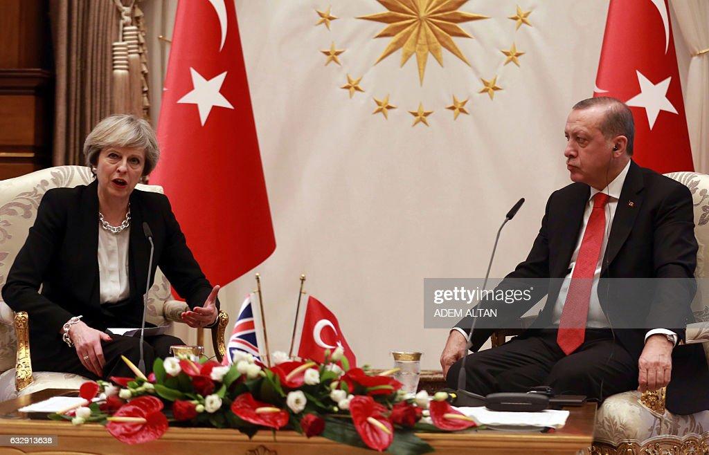 TURKEY-BRITAIN-POLITICS-DIPLOMACY : News Photo