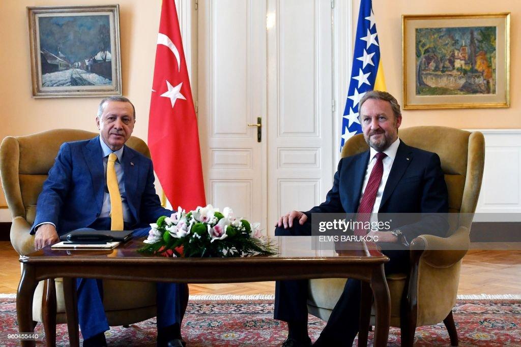 BOSNIA-TURKEY-POLITICS-VOTE : News Photo