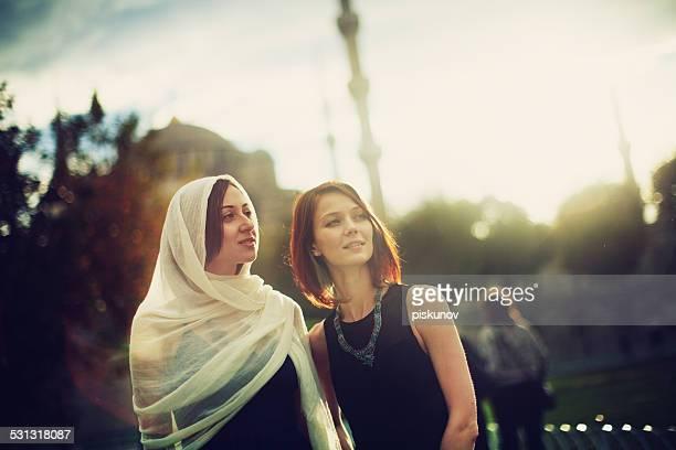 Turque et Europian femmes à Istanbul