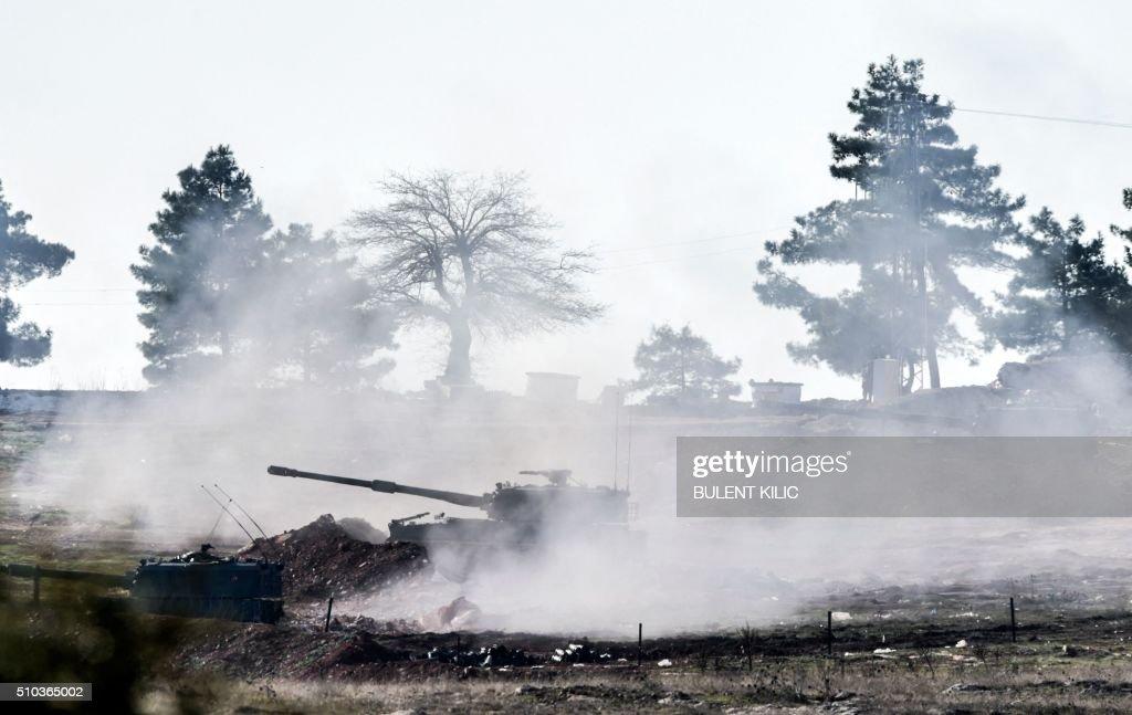 TOPSHOT-TURKEY-SYRIA-UNREST : Fotografía de noticias