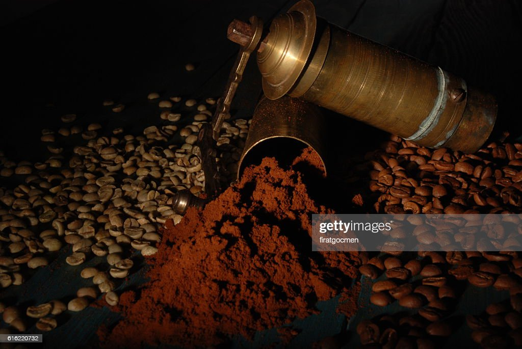 Turkish coffee and girinder with cup : Stock-Foto