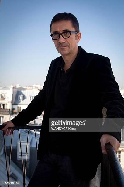 Turkish Director Ceylon Nuri Bilge In Paris Paris 29 septembre 2011 séance photo avec le réalisateur turc Nuri Bilge CEYLAN chez Memento...